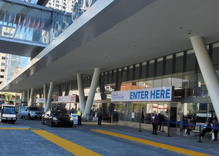 Entrance to the Moscone South vaccination site.